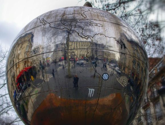 Apple of my eye...Paris